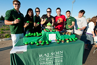 photo of a group of business students at homecoming cupcake cook-off